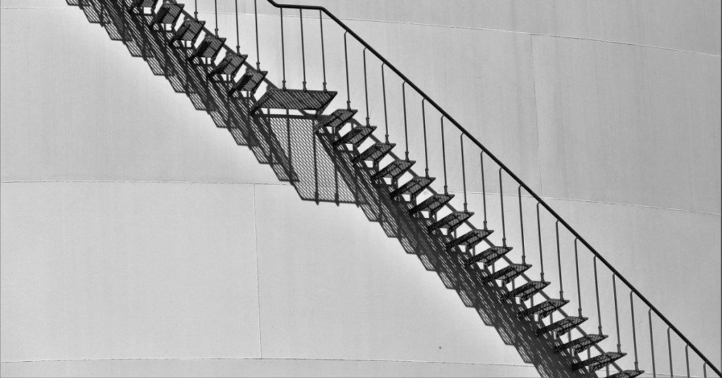 Vittime del dovere in caso di infortunio derivato da caduta accidentale da una scala.